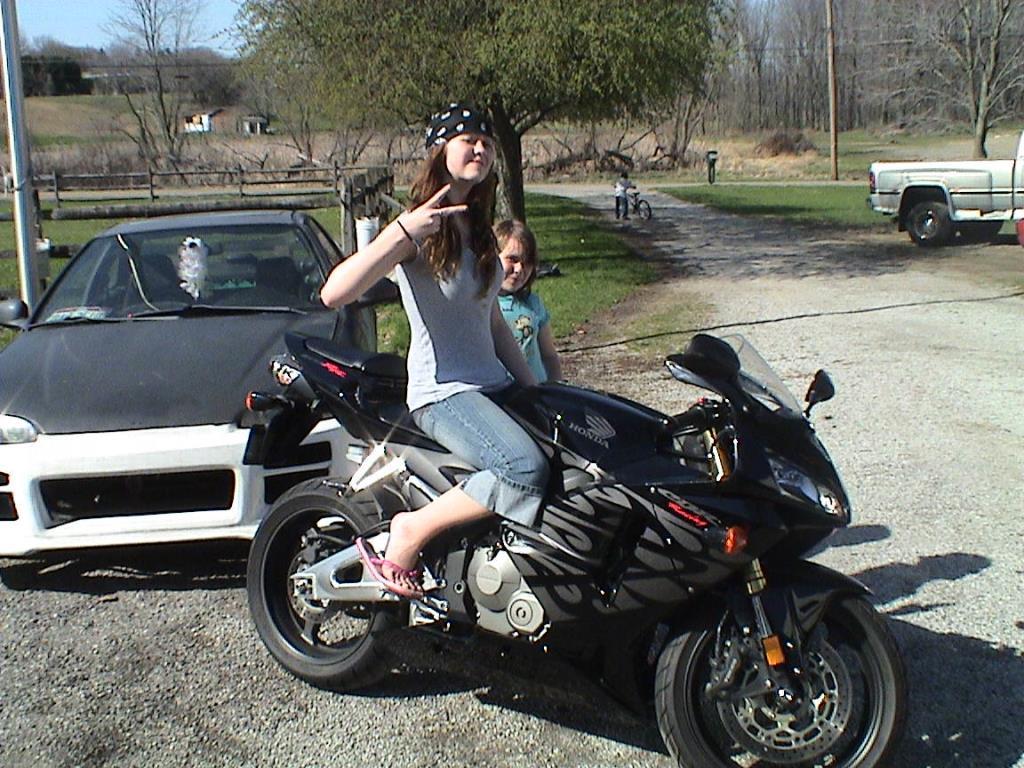 11985-2005-Honda-CBR-799234