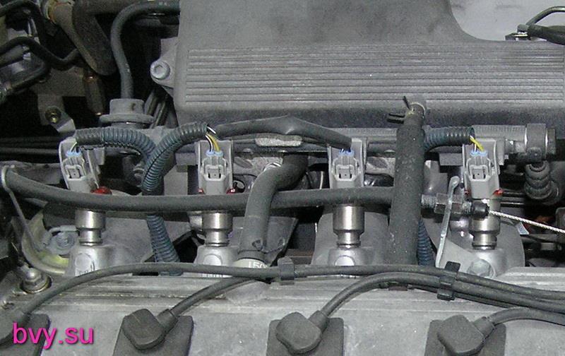 расположение инжекторов на двигателе 7A-FЕ
