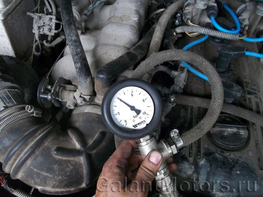 замеряем давлениие топлива