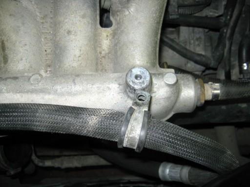 Volvo XC90 2.5L Turbo - Снимаем дроссельную заслонку. Шаг 2