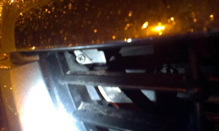 Передний бампер на саморезах Ford Focus 2