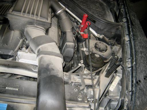 BMW X5 E70 3.0L - Подключение зарядного устройства обязательно