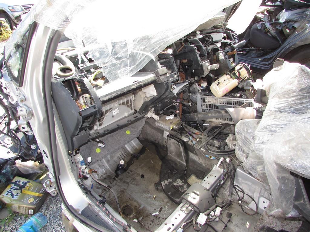 Toyota Prius 20 - наш донор