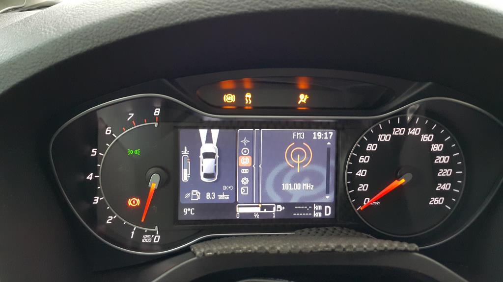Форд фокус 2 горит дисплей