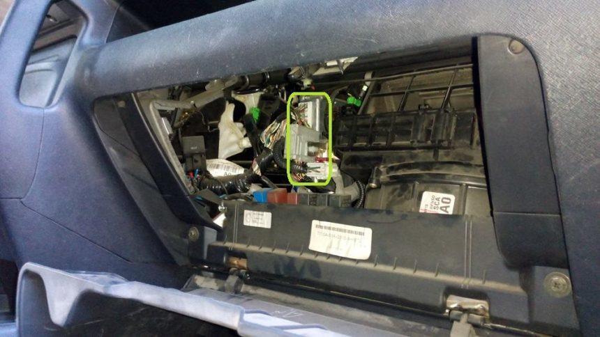 Купить Эмулятор катализатора Honda CR-V 2.4 (2005): установка эмулятора Spider CE2 - решение проблемы с ошибкой P0420, схемы пример установки
