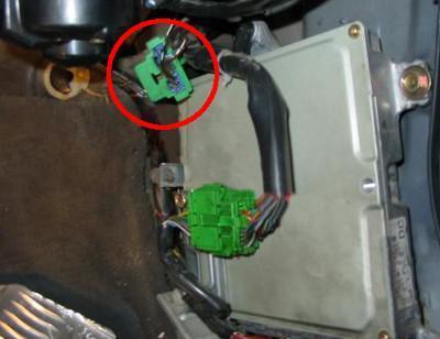 Сервисный разъем SCS Honda Civic с пассажирской стороны