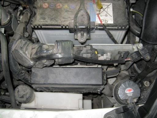 Nissan Juke F15 1.6L MR16DDT Hitachi - Расположение ЭБУ двигателя