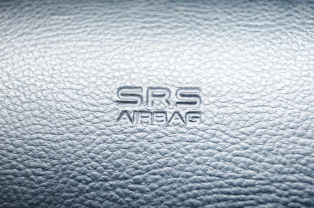 Штамп SRS Airbag на восстановленной инструментальной панели