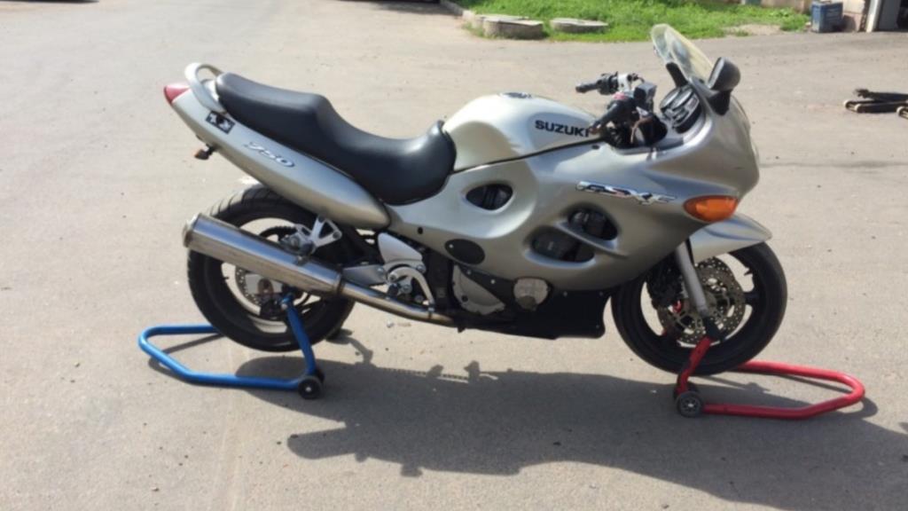 Мотоцикл Suzuki katana 750