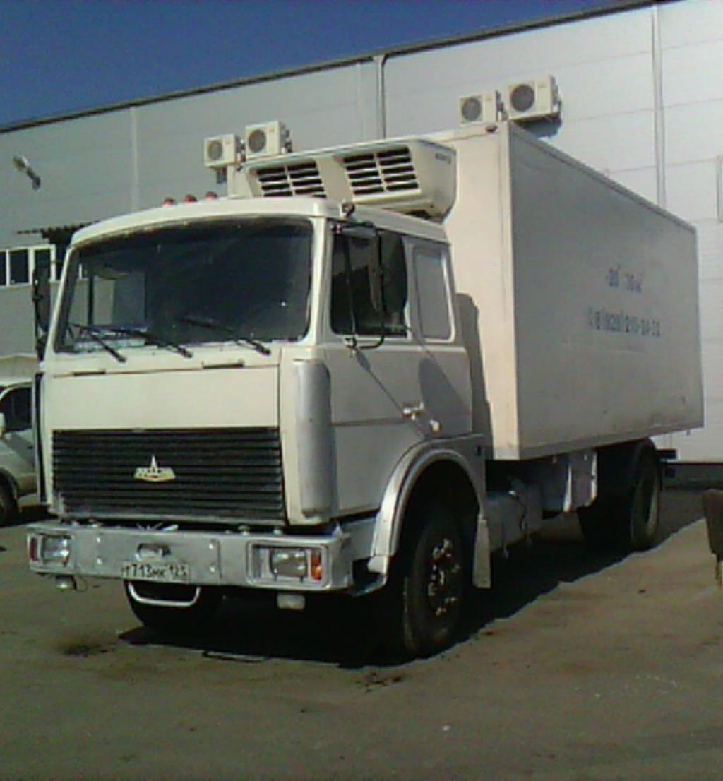 Меняю МАЗ 5743 на л/а в Краснодаре