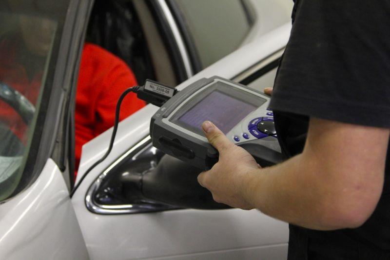 Компьютерная диагностика с помощью сканера Chevrolet Cruze