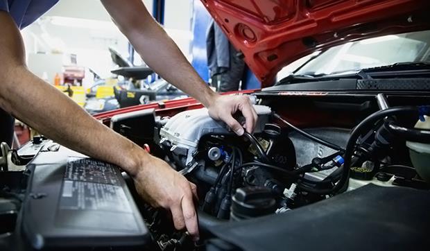 Загорелся check engine — возможные причины и способы решения
