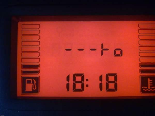 Renault Sandero 2014 ЖК дисплея приборной доски