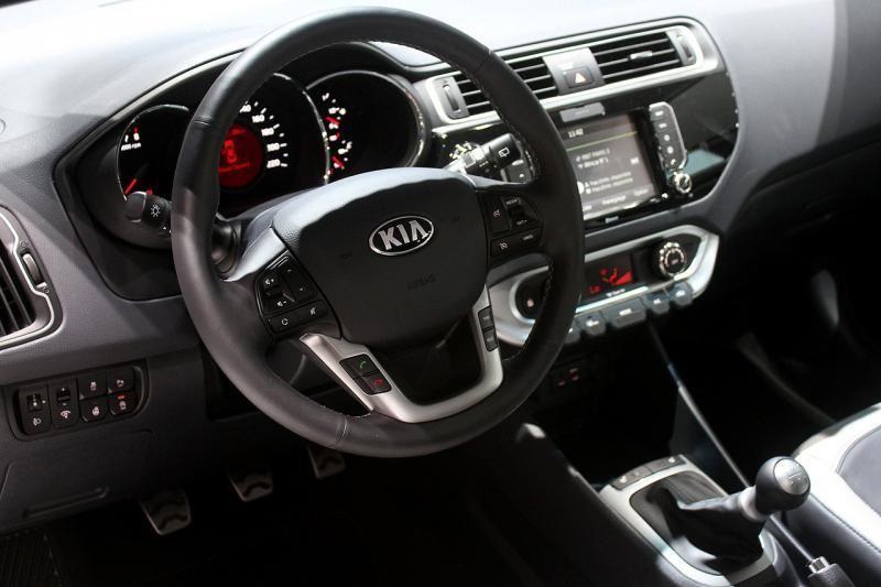 Салона авто Kia Rio - рестайлинговая версия