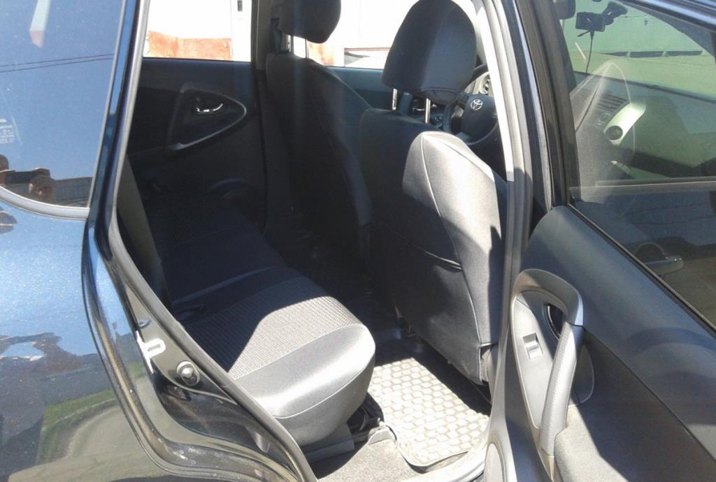 Фото отзыв о Toyota RAV4 2л 6-ст. механика (2011 г.в., 30500 км)